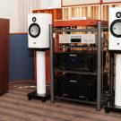 Premierowe kolumny Akkus Fidelia z wysokotonowym głośnikiem berylowym zasilała elektronika Audio Researcha.