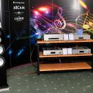 Poważna sprawa: kolumny Monitor Audio Silver 10 zasilane elektroniką Cambridge Audio.