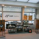 Premierowy pokaz monitorów Graham Audio LS5/8. Duże głośniki z licencją BBC zasilała elektronika Tima de Paravicini.