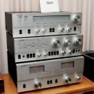 """Pomieszczenie z """"vintage audio"""" nagłaśniał dzielony wzmacniacz Philipsa z topowej linii High Fidelity Laboratories, produkowany w USA w latach 1978/79."""