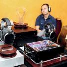 Słuchawki Oppo z audiofilską rozkoszą w tle.