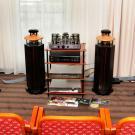 Niemieckie kolumny Duevel Venus zaskakują dwojako: niewielkimi gabarytami i obłędną panoramą dźwiękową. Bezdyskusyjne miejsce na podium w kategorii jakość/cena.