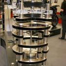 Statement - ozdoba katalogu Clearaudio. Topowe ramię tangencjalne TT1, 350 kg, 150000 euro.
